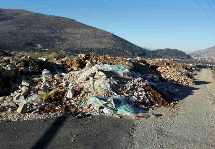 Divlje deponije i u centru Trebinja