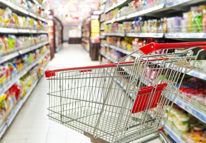 Prosječna plata se potroši na hranu i smještaj