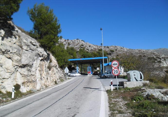 Privremeno zatvaranje prelaza na Gornjem brgatu- preko granice samo pješke