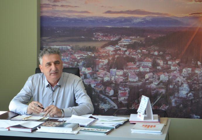 Avdalović u trci za još jedan mandat – Dobio podršku 8 političkih partija