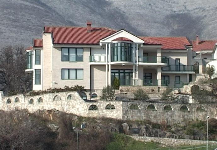 Zavirite u kvalitet i luksuz na obali Trebišnjce  – na prodaju Draškovićeva rezidencija