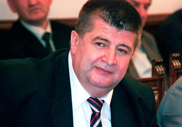 """Slavku Vučureviću se """"drma"""" ambasadorska fotelja?"""