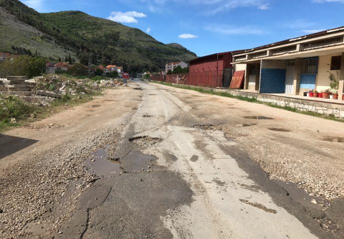 Hercegovina putevima skoro milion maraka za rekonstrukciju trebinjskih ulica i puteva