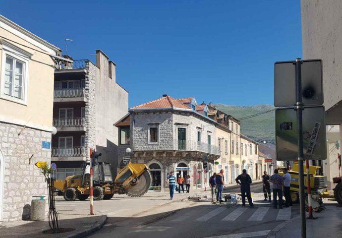FOTO VIJEST: Počela rekonstrukcija Glavne ulice