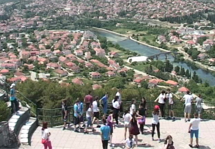 VIDEO: Špic u Trebinju, turisti stižu sa svih strana