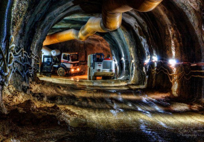 """FOTO VIJEST: Završen pristupni tunel """"Straževica"""""""