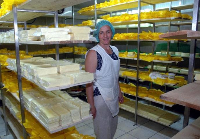 Sir mljekare Pađeni uskoro na tržištu Singapura