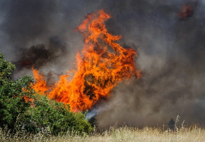 Ko pali požare po Hercegovini- ponovo gori Trebinjska površ