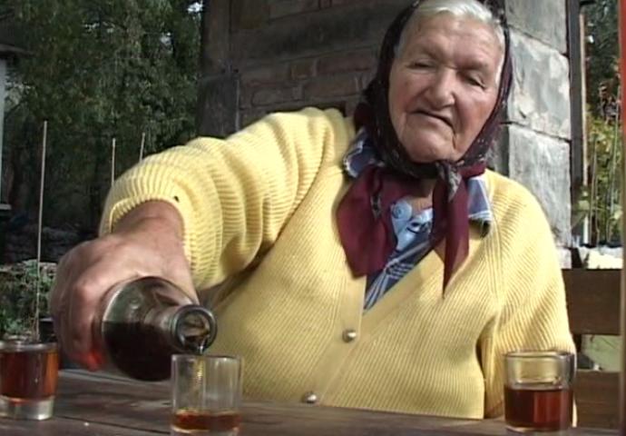 VIDEO: Na babinom štandu nema čega nema- prije kupovine degustacija obavezna