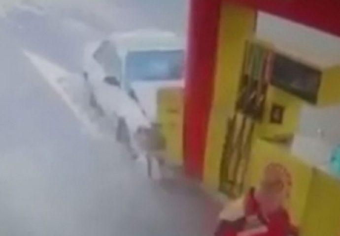 VIDEO:  Trebinjac udario u market na pumpi