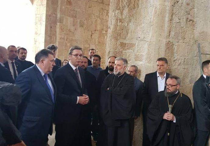 Vučić, Dodik i vladika Grigorije posjetili Saborni hram u Mostaru
