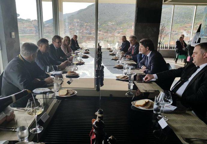 FOTO: Završetak predsjedničke posjete kod Vukoja