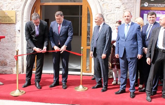Vučić i Dodik otvorili Konzulat Srbije