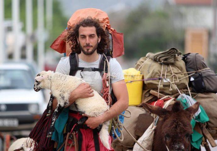 VIDEO: Iz Italije kroz Ljubinje pješke do Sirije