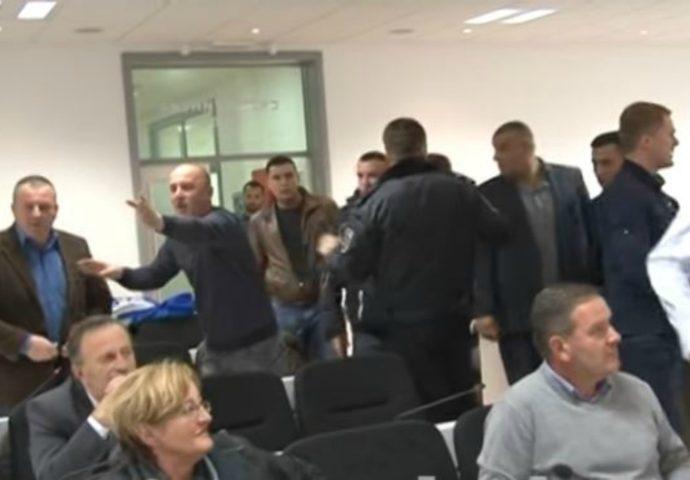 VIDEO: Novi napadi na bilećke funkcionere