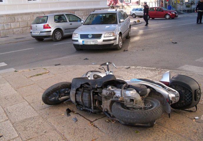 FOTO: Sudar pasata i motora u centru grada