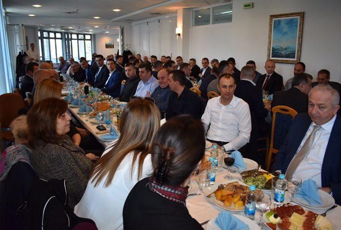 Višković sa trebinjskim privrednicima: ERS nastavlja da subvencioniše cijenu struje za velike kupce