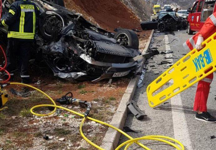 Stravična saobraćajka: Jedno lice poginulo, troje povrijeđenih