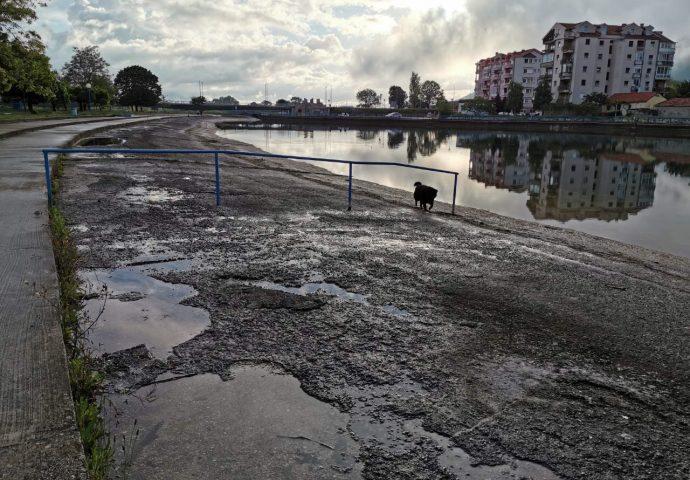 Počinje rekonstrukcija  bazena u Bregovima – HET izdvojio 300.000 KM