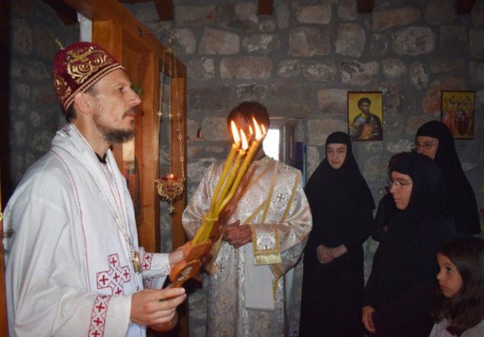 U ime pokojnog Žarka Vučića, porodica i prijatelji obnovili crkvu