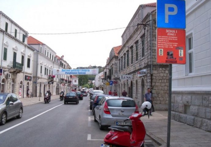 Parking duplo skuplji do 15.septembra