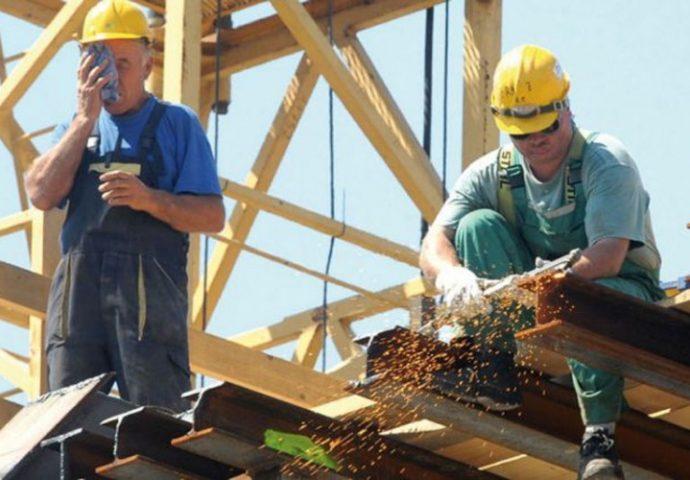 Oko 30 posto radnika radi na crno