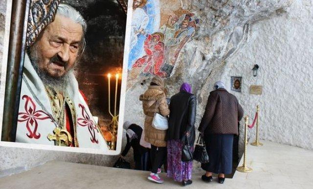 Vladika Atanasije ispričao jezivu priču iz Ostroga: Djevojku je obuzeo đavo, progovarao je iz nje
