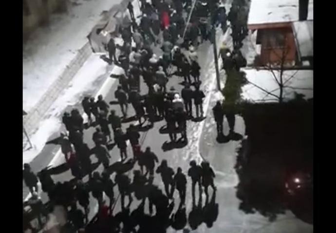 VIDEO: Gacko- Skup podrške pravoslavcima u Crnoj Gori