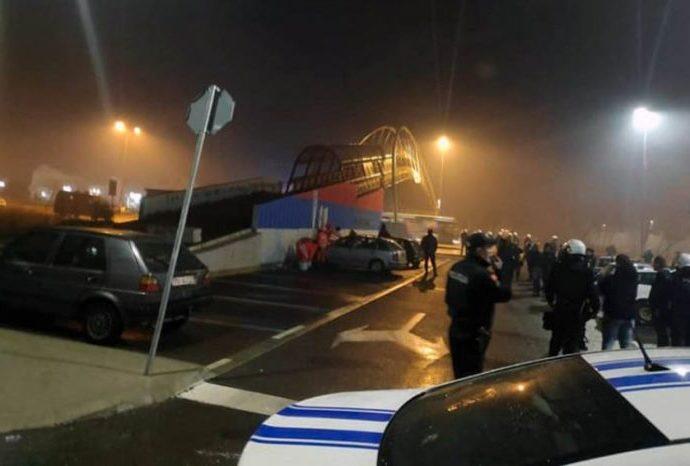 Teror nad Podgoričanima – Više osoba povrijeđeno, bačen suzavac i na sveštenika