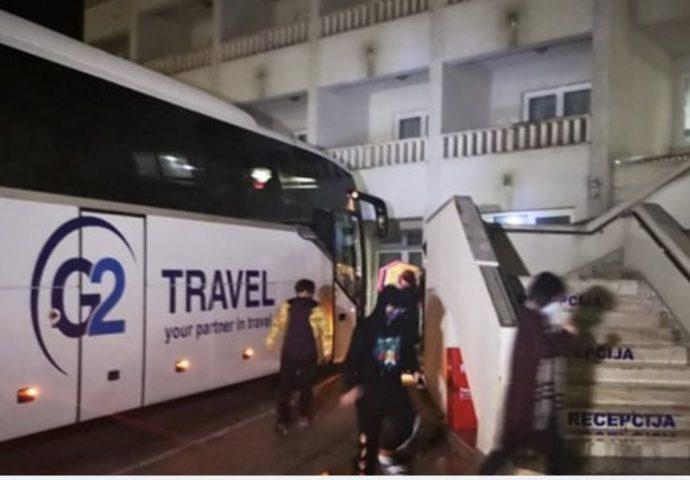 Autobus iz Vuhana stigao u Neum-putnici na pregledima