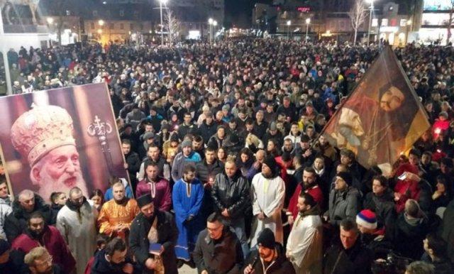VIDEO: Hiljade vjernika na Trgu u Nikšiću