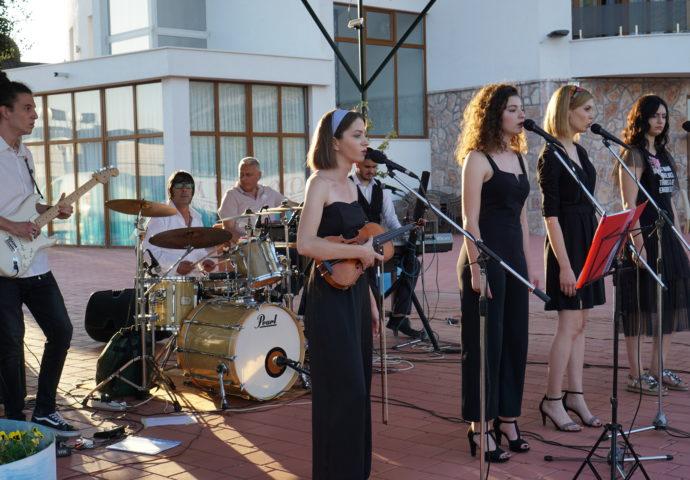 FOTO/VIDEO: Uz dobre žurke i vodenu zabavu otvorena sezona u Gradu sunca