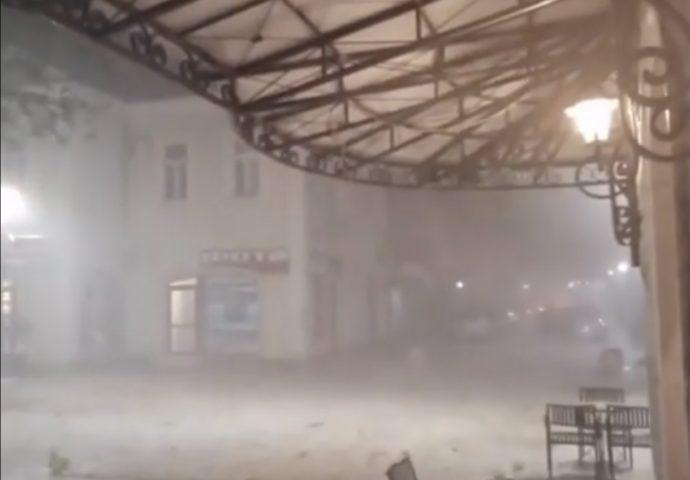 VIDEO: Nevrijeme zahvatilo Trebinje