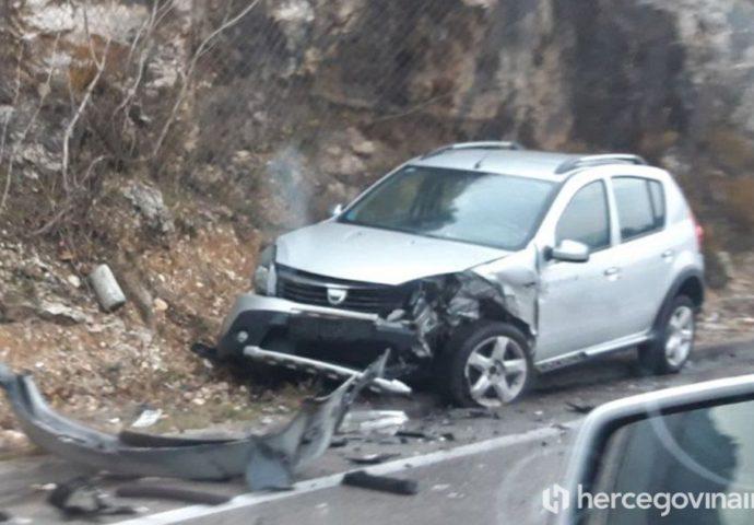 Teška saobraćajka na ulazu u Jablanicu