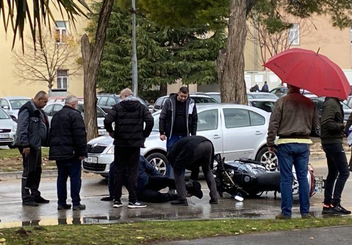 Saobraćajka u centru grada – Trebinjac  pao sa motora