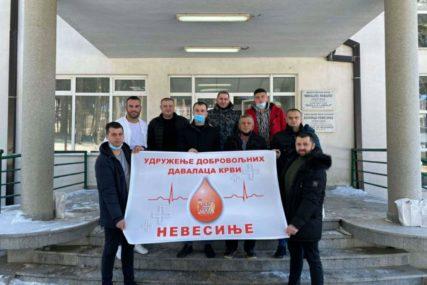 Sedmoro Stajića prvi darovali krv u Nevesinju – Humanitarci nisu iznevjerili porodičnu tradiciju