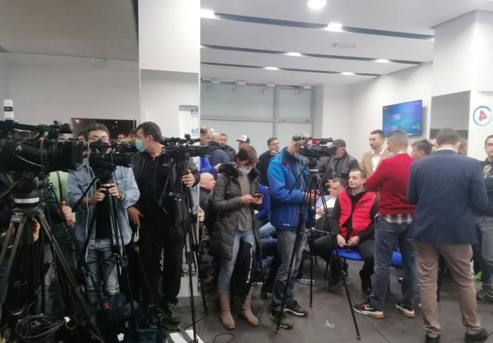 """VIDEO: UŽIVO iz Štaba  """"Za budućnost Nikšića"""""""