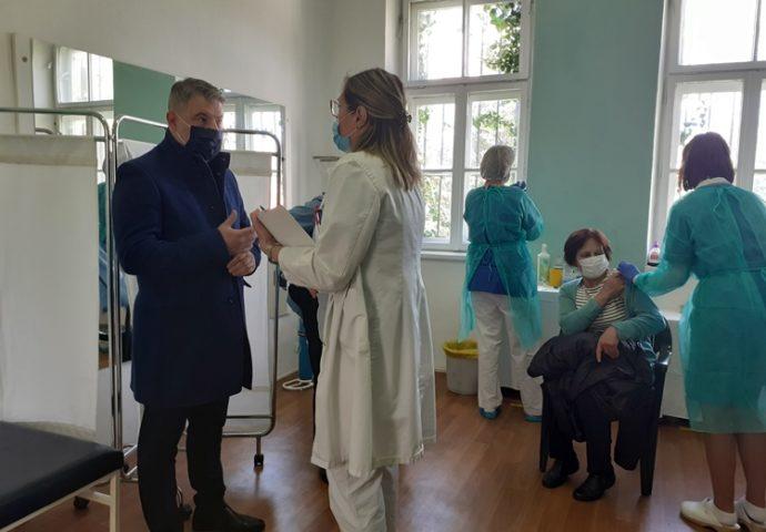 Šeranić: Dom zdravlja Trebinje prvi u Srpskoj krenuo u vakcinaciju i vrlo uspješno sprovodi proces imunizacije građana