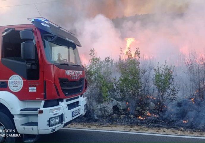 VIDEO: Požari i dalje bukte u okolini Trebinja