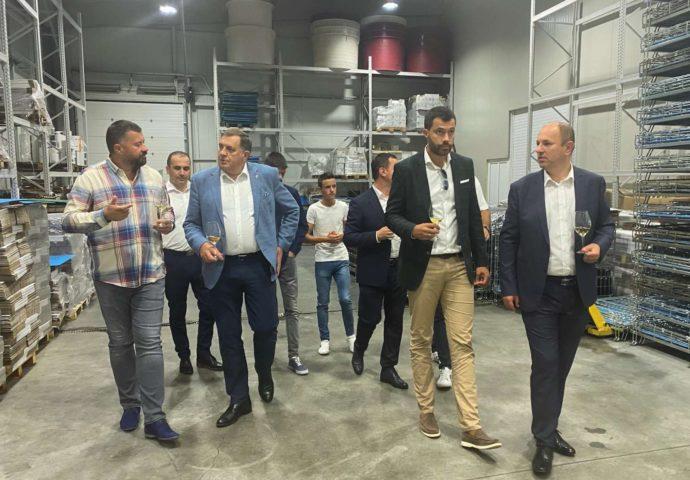 Dodik obišao vinariju Vukoje, najavljena proizvodnja masline